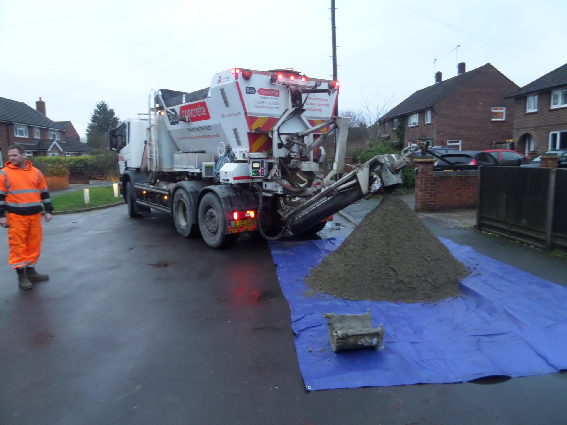 365 Concrete | Have your Screed mixed by the best